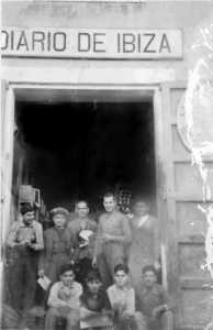 Trabajadores de Diario de Ibiza a principios del siglo XX.