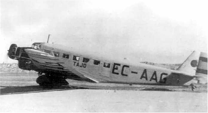 Primer servicio aéreo