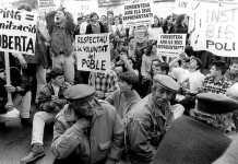 Manifestación en apoyo a los políticos de Formentera