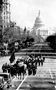 Un instante de la marcha fúnebre en las calles de Washington