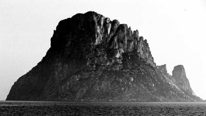 'Sa bastorra' es el pico situado a la derecha de la fotografía