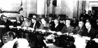 Representantes de Canadá Estados Unidos, Gran Bretaña, Francia, los países del Benelux, Islandia, Noruega, Dinamarca, Italia y Portugal firman el acuerdo