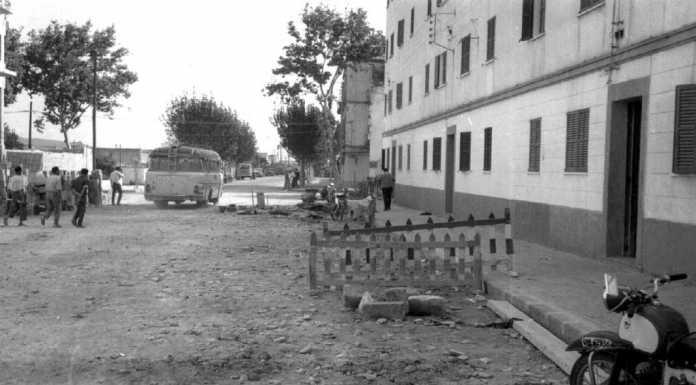 El inicio de la Avenida Isidoro Macabich, con las viviendas protegidas a la derecha. Arxiu Històric Municipal d'Eivissa.