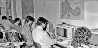 Antigua redacción de Diario de Ibiza, con los primeros terminales de ordenador para escribir los textos. archivo di