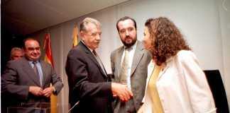Pilar Costa se convirtió, el 31 de julio de 1999, en la primera presidenta del Consell Insular de Eivissa y Formentera. Vicent Marí