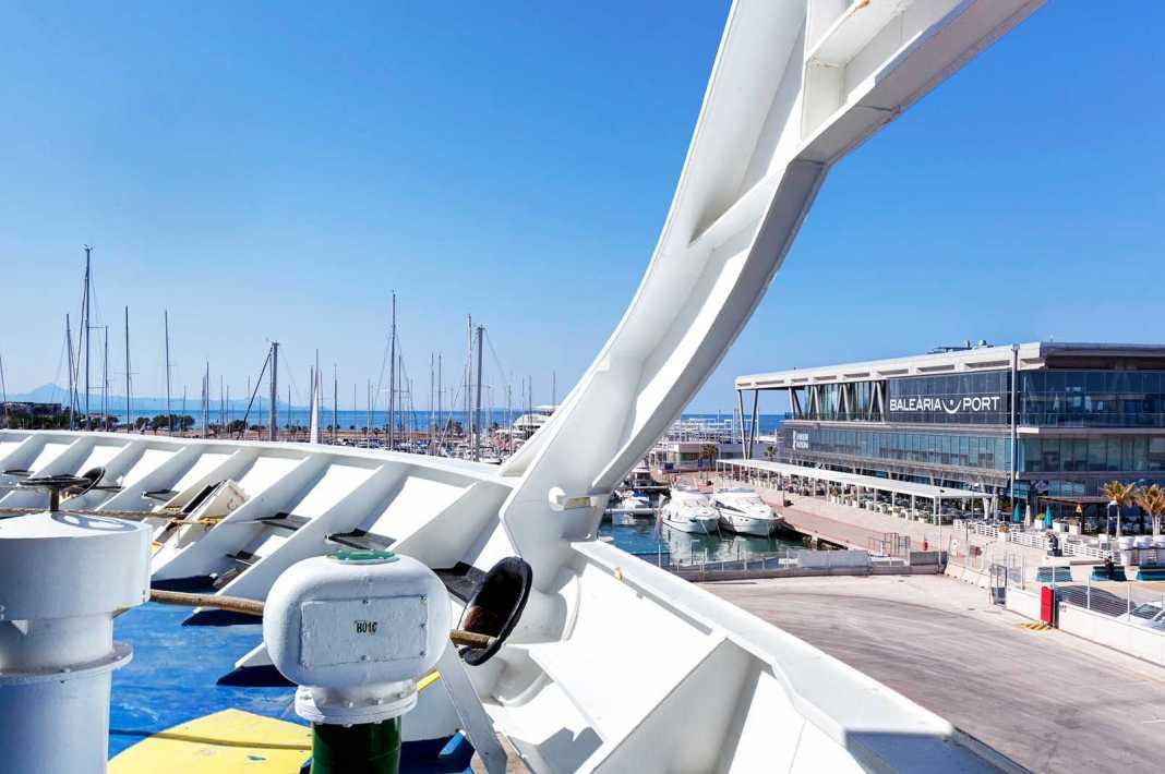 Sede central de Baleària en el puerto de Denia. fotos: Baleària