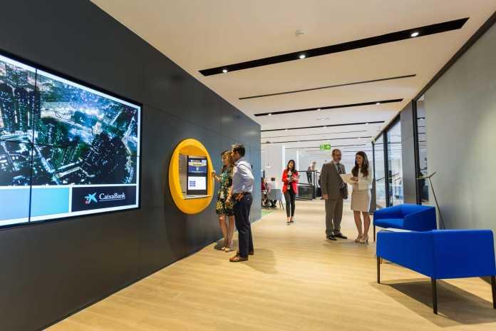 Las actuales oficinas Store del paseo Vara de Rey. foto: Vicent Marí