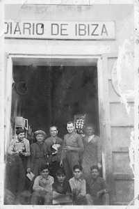 Trabajadores de Diario de Ibiza a principios del siglo XX. Archivo DI