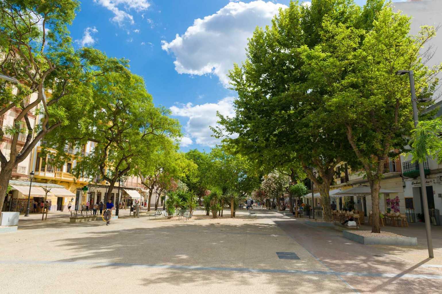 Vara de Rey tiene más espacio para que peatones disfruten. Ajuntament d'Evissa