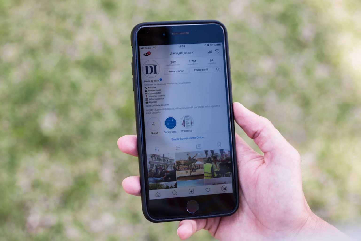 Perfil de Instagram de Diario de Ibiza visto en un móvil. T. Escobar