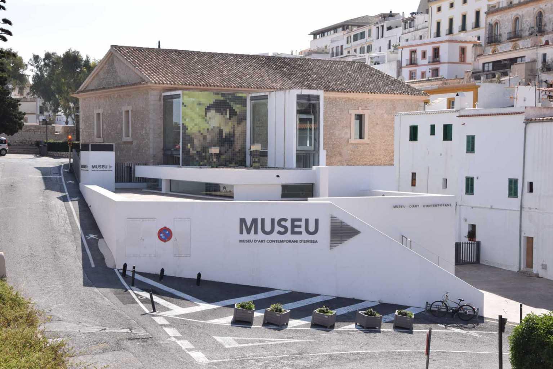 Fachada del Museo de Arte Contemporáneo, en Dalt Vila, tras su reforma y ampliación. César Navarro