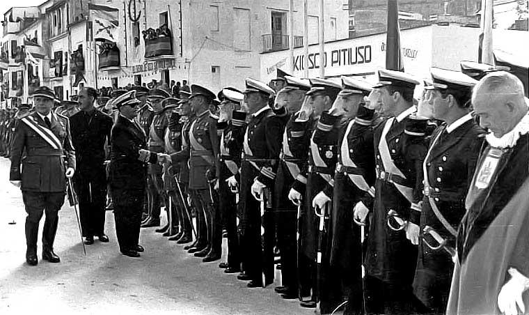 Franco en los Andenes durante su visita a Eivissa en 1955. V. Domínguez/Aisme