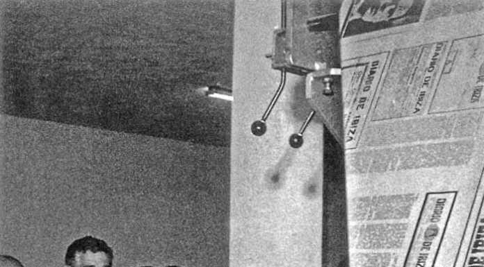 Inauguración, en 1975, de las instalaciones del Diario de Ibiza en los talleres de Sant Jordi. Junto al ministro de Información y Turismo, León Herrera y Esteban, Paco Verdera, director y propietario del rotativo. Josep Buil Mayral