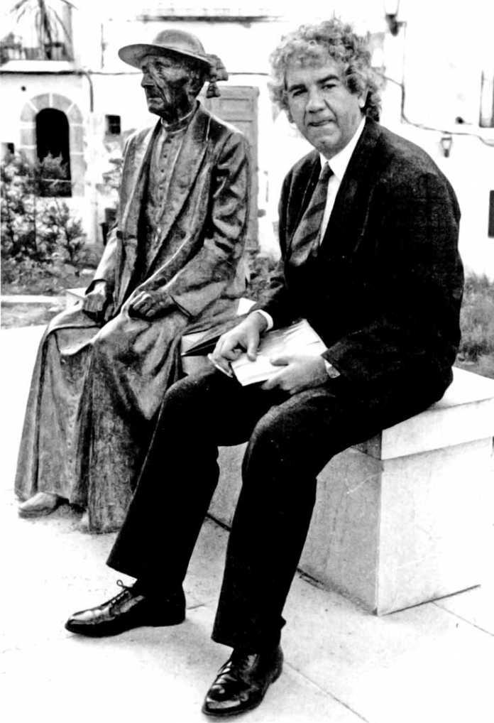 Evolución de la cultura. El autor con Isidor Macabich. libro 'memòria escrita', de Joan Marí Tur