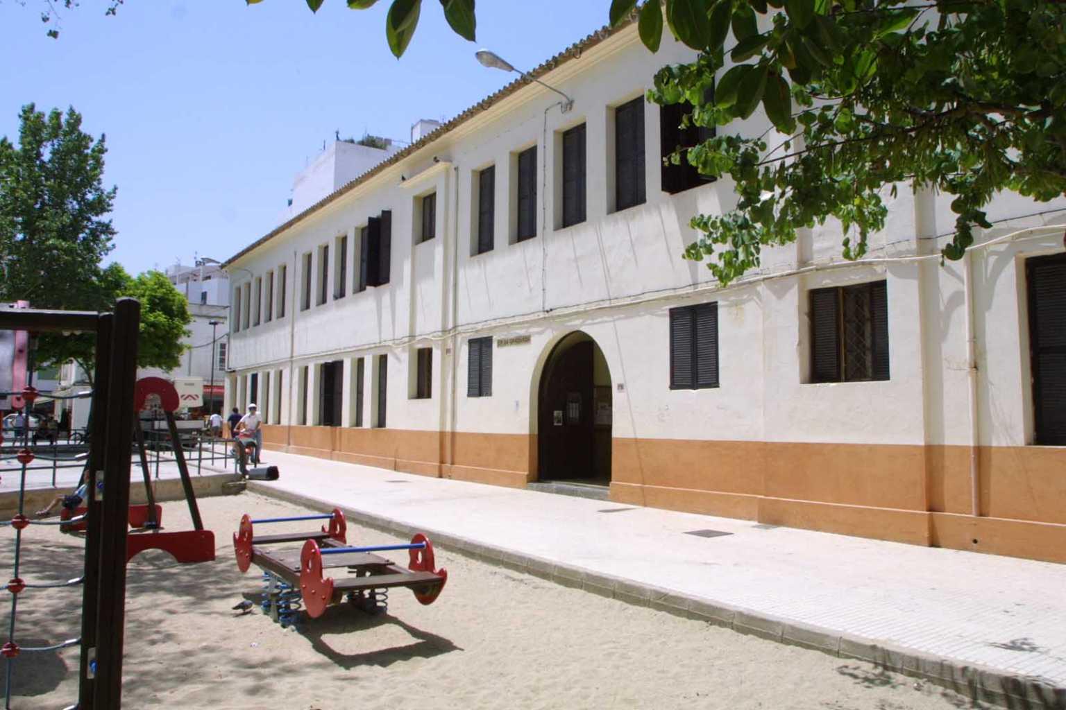 Antiga escola de Sa Graduada, ja derruïda. Vicent Marí