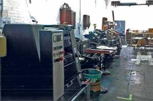 Secuencia de impresoras en un taller de Barcelona. Archivo Magón