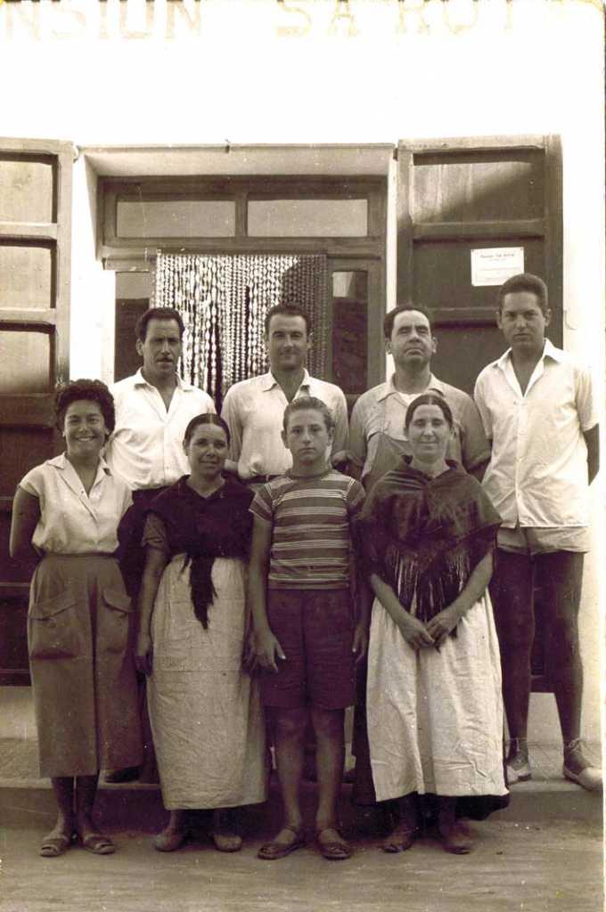 En el centro, Vicent Marí, abuelo del alcalde de Santa Eulària. A. Familiar
