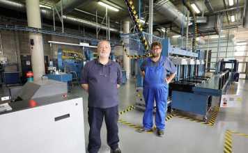 Trabajadores más veteranos. Vicent Yern y Martín García, en la nave de Montecristo. Vicent Marí