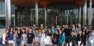 Visitas escolares. Alumnos de ESO del instituto Santa Maria posan delante del edificio de Diario de Ibiza en 2010. D. I.