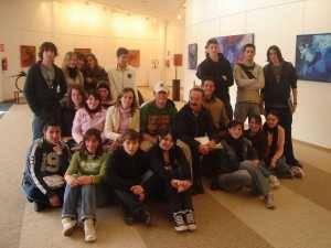 Profesores y estudiantes en una exposición en el Club en 2006. J. A. Riera