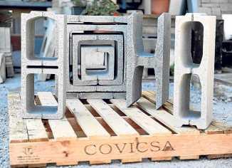 Fabricación de encofrabloc, machihembrados, columnas o arquetas.