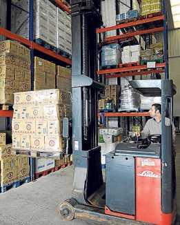 Trabajando en el almacén. | Gabi Vázquez