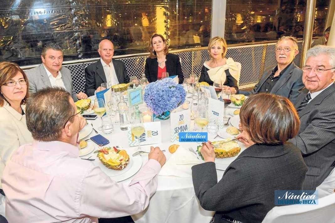 Resturante Es Náutic, entrañable cena de socios del Club Náutico de Sant Antoni | másDI - Magazine
