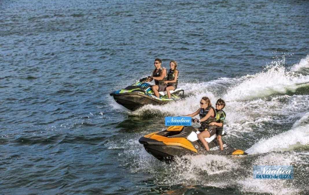 La moto acuática es una buena elección para disfrutar con la familia.