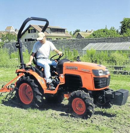 Los Kubota de la Serie Súper B y Grand L40 son perfectos para la mayoría de trabajos agrícolas que se desarrollan en las Pitiüses