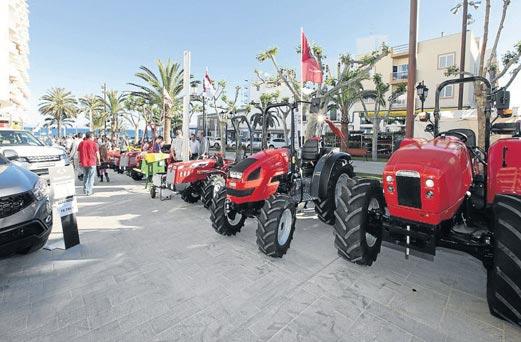 Los tractores también tienen su protagonismo en esta muestra.