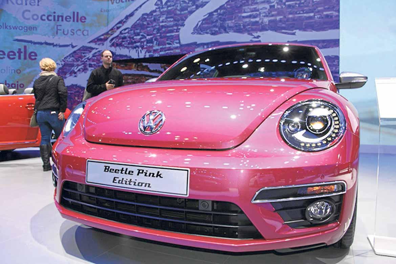 El Beetle Pink en color rosa fucsia, una edición especial para los nostálgicos del famoso modelo de VW.