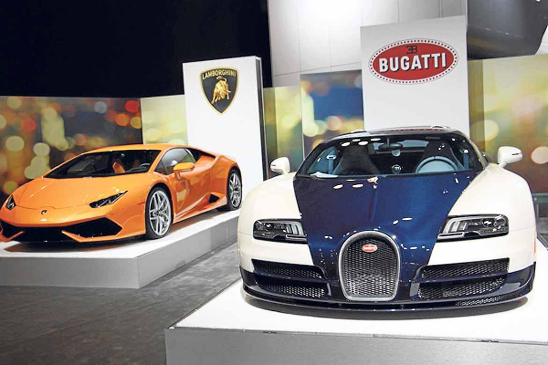 Lamborghini y Buggatti se exhibieron juntos.