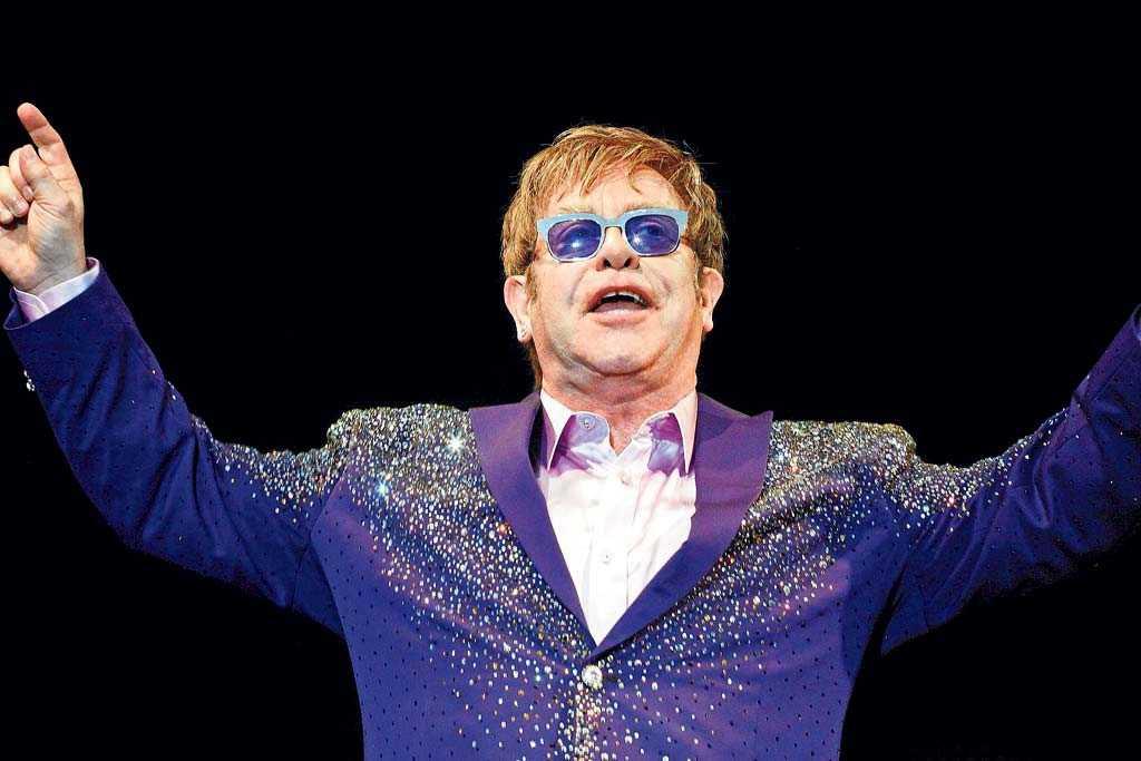Elton John actuando en el Festival Ibiza 123 Rockronic.