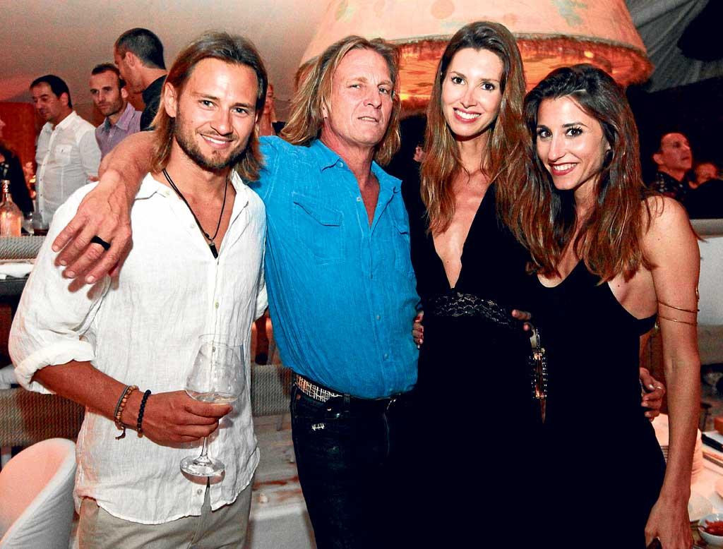 Dani, Pocholo Martínez, la modelo Ana Vide y una amiga.