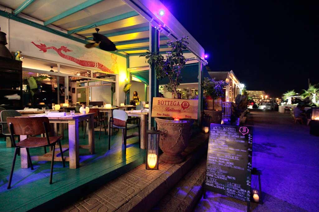 En Bottega Bernacca se ofrece una gastronomía muy personal en un ambiente relajado a la luz de las velas.