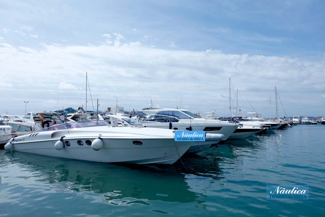 Barcos atracados en un puerto deportivo de Ibiza. CRISTINA LÓPEZ