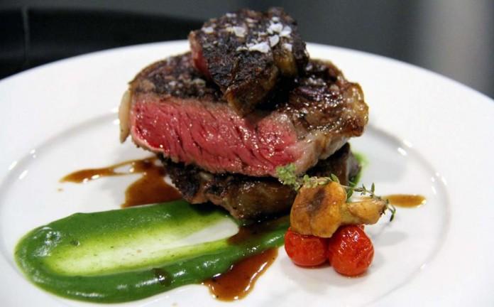 La propuesta culinaria de este steakhouse resulta impresionante.