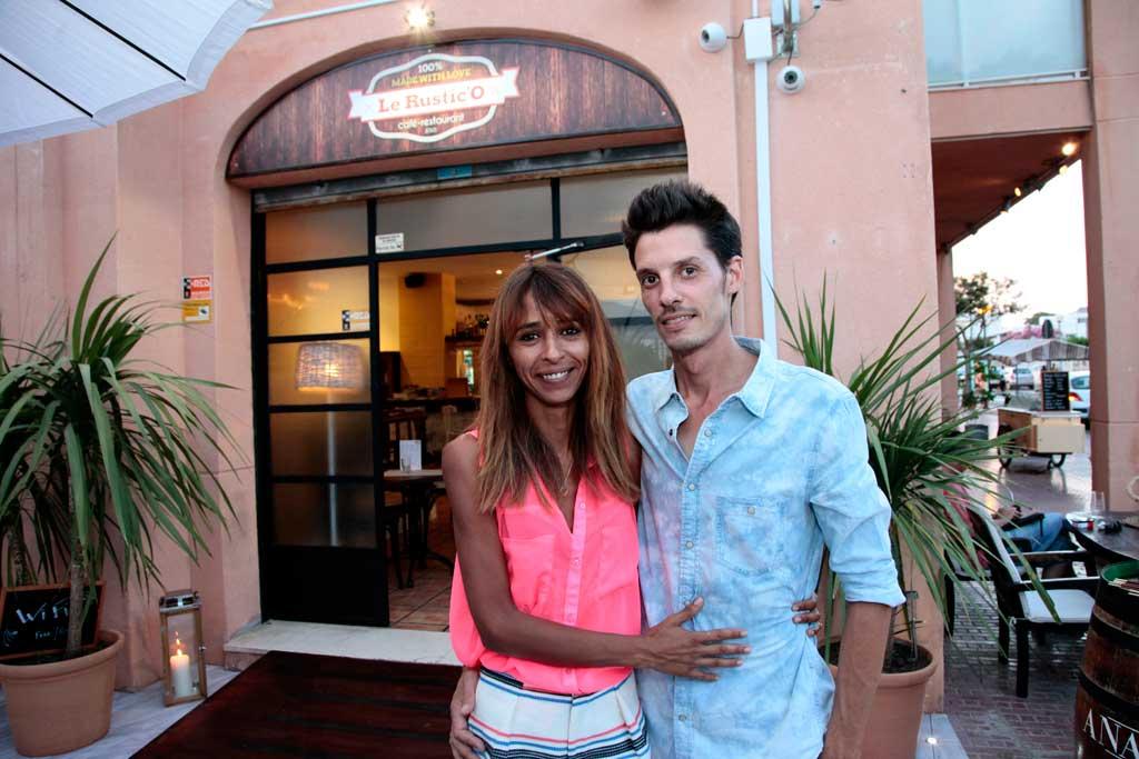 Sabrina y Terence, responsables del restaurante ubicado en Jesús.