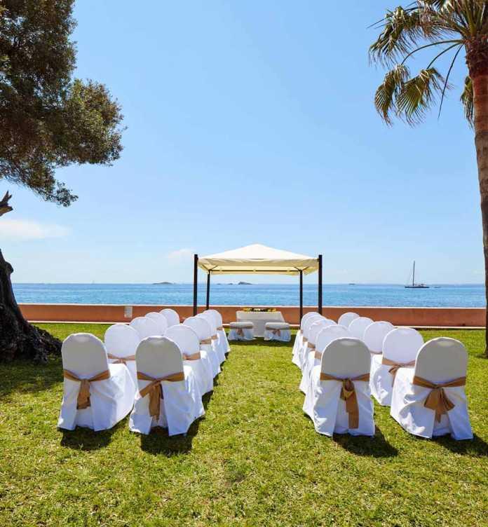 Un paisaje idílico frente al mar Mediterráneo.