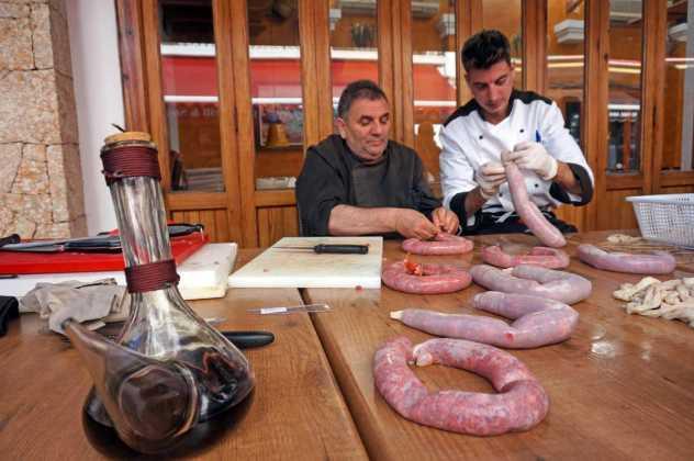 Jornadas Gastronómicas del Cerdo en Santa Eulària. F.D.L.
