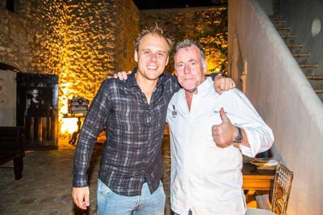 El 'dj' Armin van Buren y el famoso chef Ron Blaaw