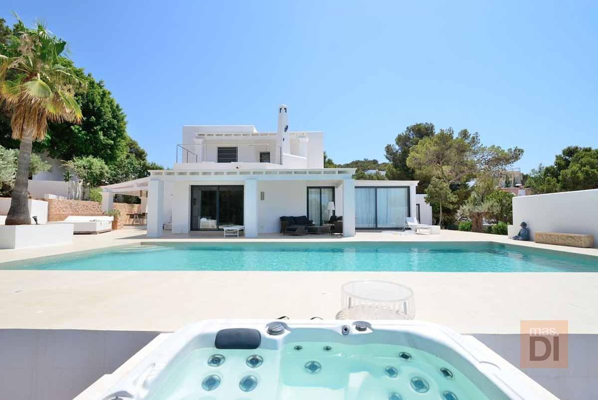 Ibiza house renovation | Ibicolor: Diseños especiales para cada construcción