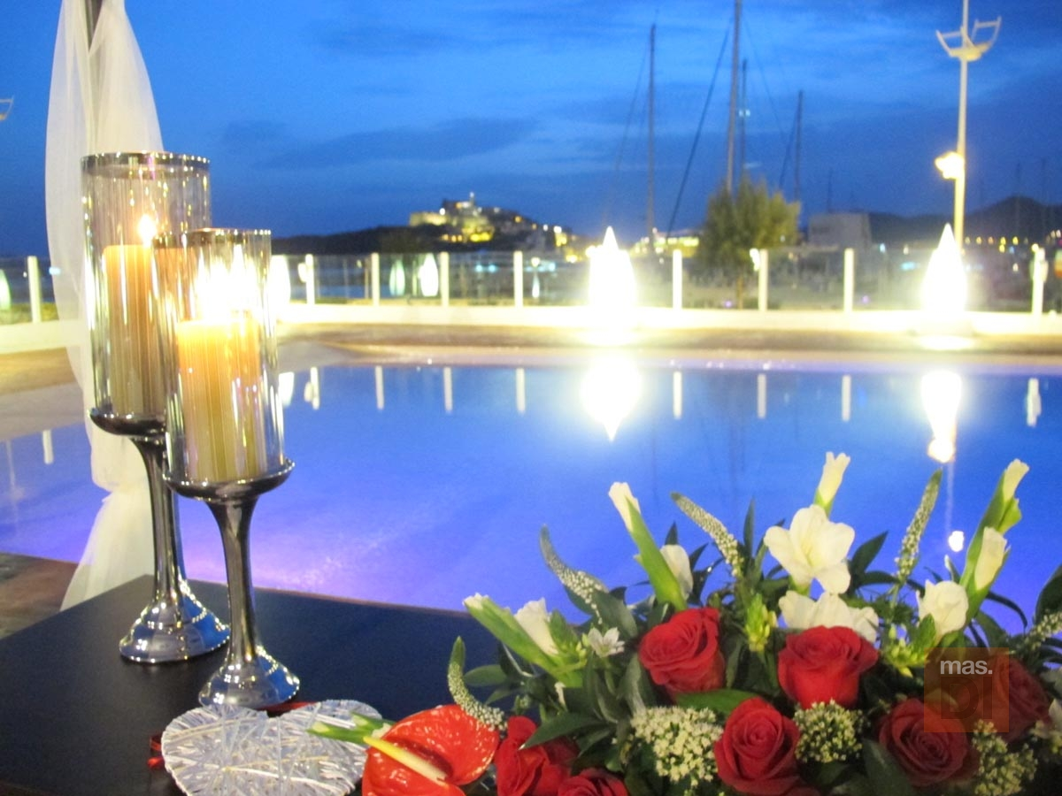 Ibiza Corso hotel & spa / Sundown Ibiza suites & spa. Esencia mediterránea para celebrar