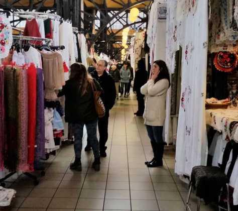 Budapest, entre el Mercado Central y los puestos callejeros