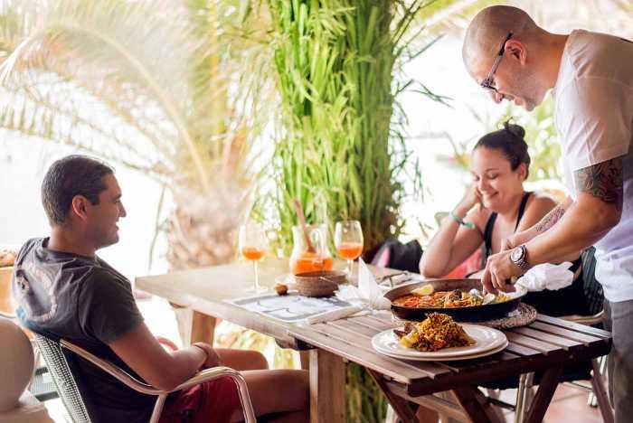 Restaurante Grill Can Yucas. Días y noches de ensueño en Cala Tarida | másDI - Magazine