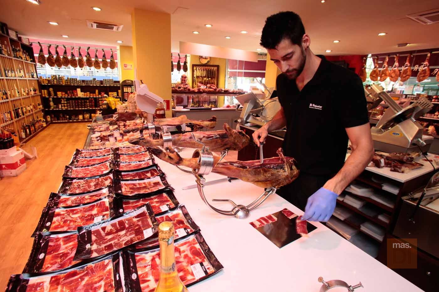 El Paladar, Jamoneria & Delicatessen. Manjares de pequeños productores
