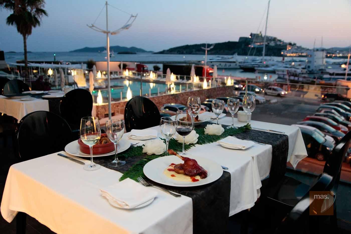 Ibiza Corso Hotel & Spa | Sundown Ibiza Suites & Spa. La magia del mar y Dalt Vila