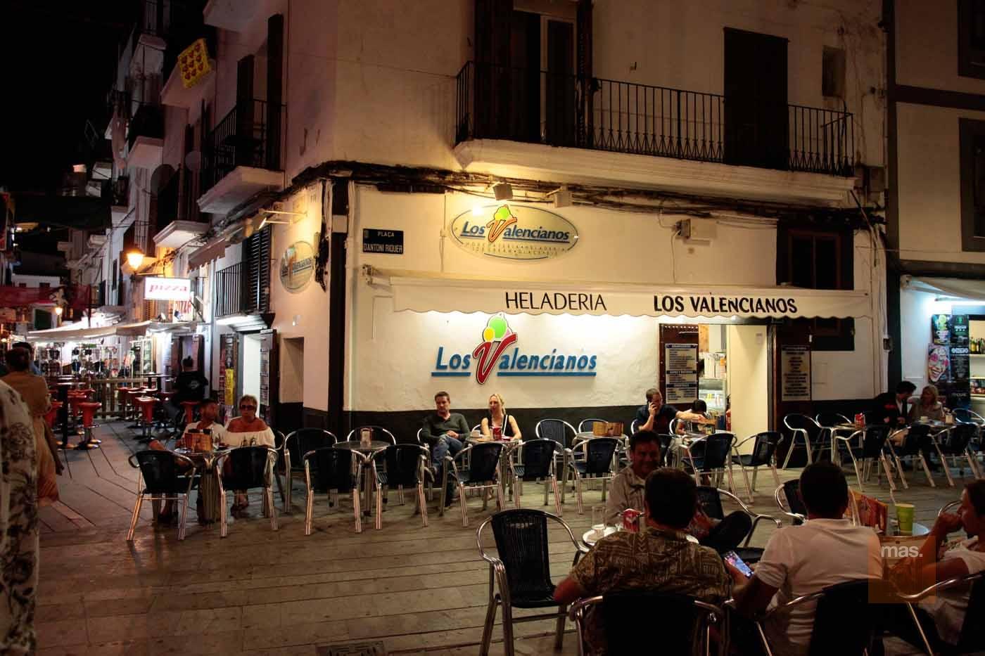 Heladería Los valencianos. Helados artesanales con el sello de calidad de Ibiza