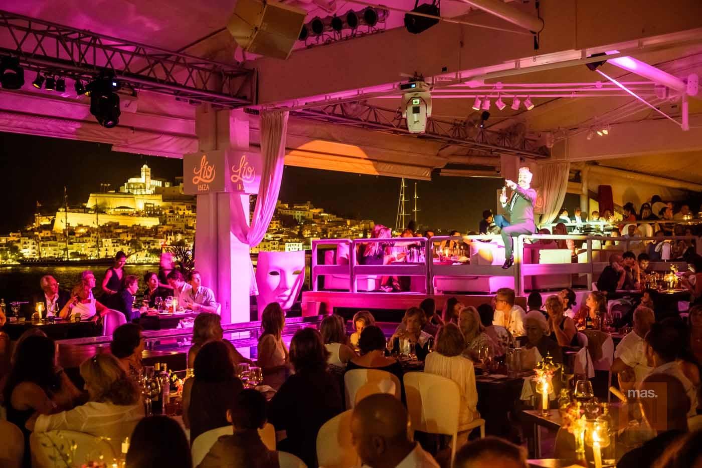 Restaurant Cabaret Lío. Lujo, espectáculo y diversión