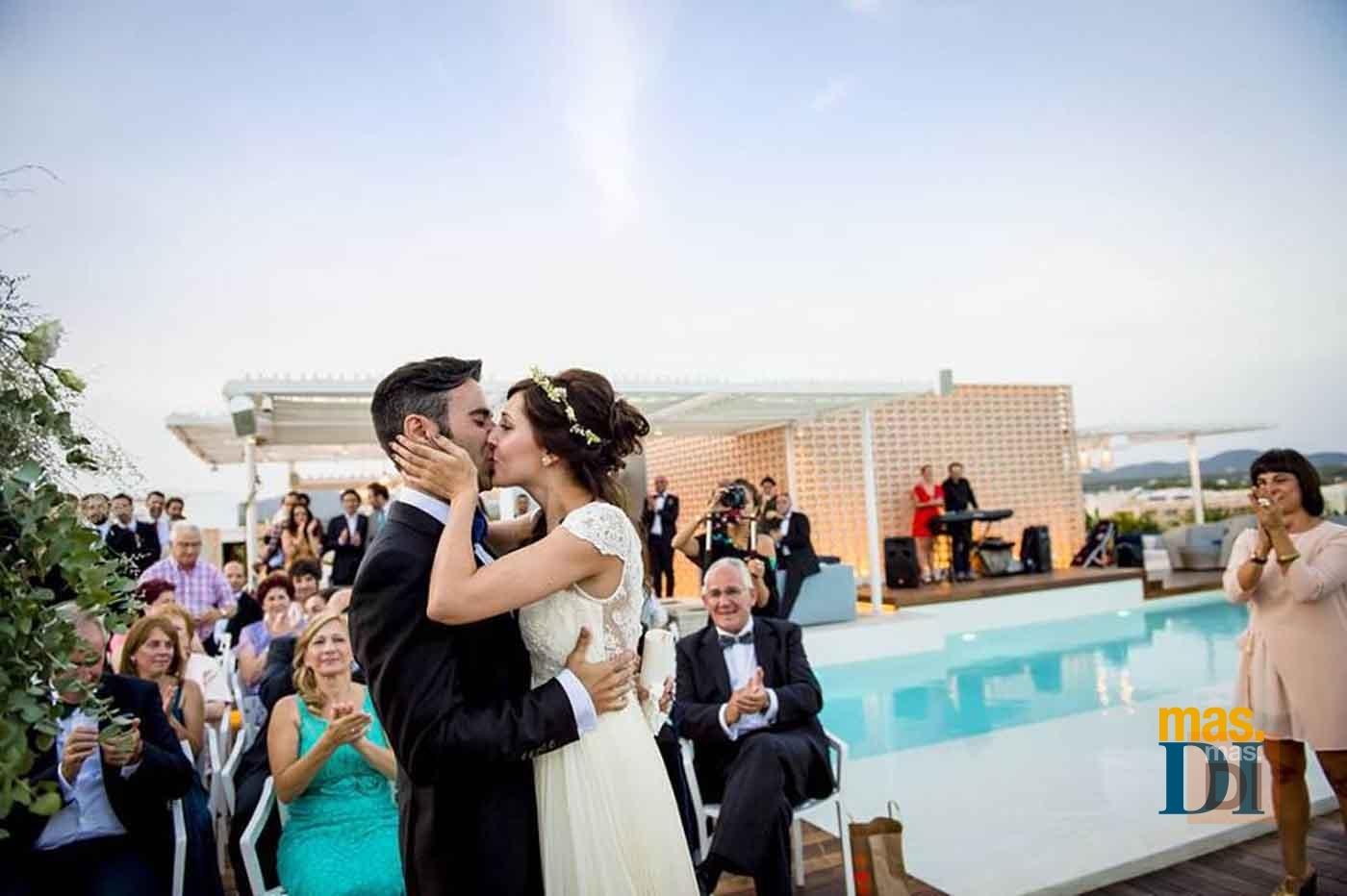 Hotel Aguas de Ibiza lifestyle &spa | El lugar ideal para novios soñadores